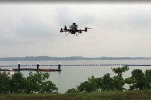 Poštovní dron v oblasti Singapuru, zdroj: dronelife